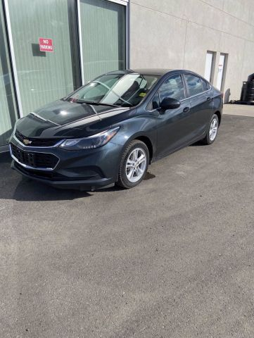 Pre-Owned 2017 CHEVROLET CRUZE LT Front Wheel Drive 4dr Sdn 1.4L w/1SD