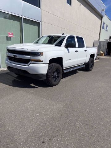 Pre-Owned 2018 CHEVROLET SILVERADO 1500 CUSTOM Four Wheel Drive 4WD Crew Cab 143.5